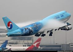 Korean Air aircraft at Sydney - Kingsford Smith Intl, NSW photo Boeing 747 400, Boeing Aircraft, Korean Airlines, Aeroplane Flying, Airplane Photography, Jumbo Jet, World Pictures, Air Travel, Travel Deals