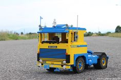 SCANIA LB 140 ATS - AutoTrasporti Spadotto This blue/yellow tractot truck was registered in Italy on 24th may 1976. It has been restored in 2010 by the owner of ATS (a northern Italy transport company). The beautiful colour scheme remembers the Swedish flag and it was used by SCANIA in the seventies during the international truck shows.