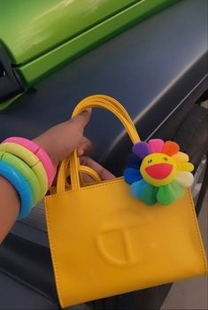 Pinterest @sarstephenn Fashion Handbags, Purses And Handbags, Fashion Bags, Luxury Purses, Luxury Bags, Looks Halloween, Black Girl Aesthetic, Fashion Videos, Cute Bags