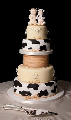 Cow Wedding Cake So Cute I Love Cows