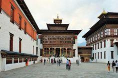 Bhutan Rundreisen - Jetzt Urlaub buchen! |Tai Pan Bhutan, Louvre, Building, Travel, Forts, Destinations, Viajes, Buildings, Traveling
