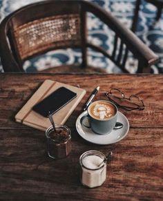 Coffee time or tea time ? But First Coffee, I Love Coffee, Coffee Break, Morning Coffee, Morning Breakfast, French Coffee, Coffee Girl, Vintage Coffee, Black Coffee