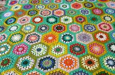 Free pattern - love the colours!
