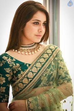 rashi khanna .Love the simple neck piece. ♥