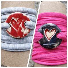 Armbänder für Mädchen aus Keramik, mit weichem Textilband...von KreativesbyPetra     #keramik #ceramic #ton #töpfern #töpferei #plattentechnik #Glasur #glaze #glasurbrand #glazebrand #botz #schmuck #jewellery #Anhänger #pendant #schmuckanhänger #jewelrypendant  #keramikanhänger #Unikat #handmade #handgemacht #Kunsthandwerk #Handwerk #DIY #geschenk #present #Meer #ocean #fisch #fish #ahoi #burschen #jungs #buben #mädchen #mädels #girls #textilband #schmuckband #jewelrybelt #geschenk #herz… Lululemon Logo, Ceramics, Logos, Girls, Art, Arts And Crafts, Canvas, Creative, Gifts