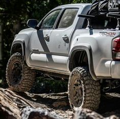 Gift ideas for cyclists [for all the bike lovers] Toyota Tacoma Lifted, Toyota 4x4, Toyota Trucks, Toyota Celica, 4x4 Trucks, Lifted Ford, Ford Trucks, Overland Tacoma, Overland Truck