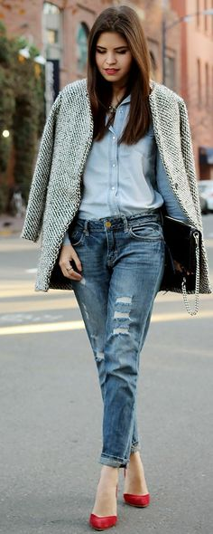 Today my post is unfolding simple, elegant and stylish Casual Jeans Outfit Ideas. It's time to browse casual jeans outfit ideas that will make you look Outfits Otoño, Fall Outfits, Fashion Outfits, Womens Fashion, Boyfriend Jeans, Denim Jeans, Ripped Jeans, Casual Jeans, Dress Casual