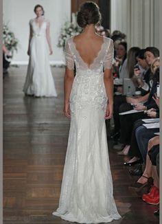 Veja uma seleção dos mais lindos vestidos de noiva da coleção de Monique Lhuillier, Jenny Packham, Reem Acra, Christos, Carolina Herrera