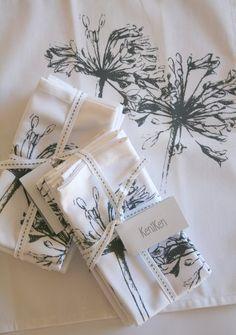 Keniken Agapanthus Napkins and tablecloth