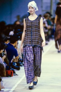 Comme des Garçons Spring 1992 Ready-to-Wear Fashion Show