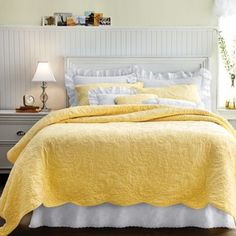 i love my cozy comforters but this yellow makes me really happy :) . Paisley Quilt, Canada Shopping, Twin Quilt, Quilt Sets, Grey Yellow, Online Furniture, T 4, Mattress, Comforters