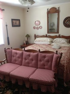Tell City Sofa, Mirror, Lamp, Two Lamp Tables and King Size Chairback Headboard Maple Furniture, City Furniture, Country Furniture, Furniture Makeover, Redoing Furniture, One Bedroom, Bedroom Sets, Early American Decorating, Seaside Decor
