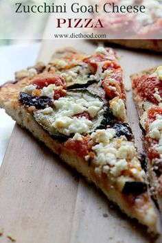 Flavorful soft homemade pizza topped with tomatoes zucchini red onions and Cannoli, Pizza Recipes, Cooking Recipes, Cooking Tips, Easy Desserts, Dessert Recipes, Goat Cheese Pizza, Strudel, Zucchini Puffer