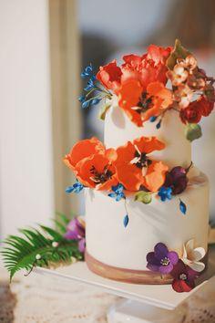 Amazing sugar flowers for a wedding cake theartisancakegui... yvonne-wong.com