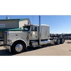 Peterbilt 389 For Sale, Peterbilt 379, Semi Trucks For Sale, Heavy Machinery, New Tyres, Buses, Vehicles, Big, Car