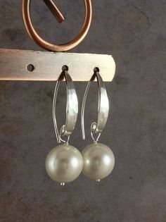 Modern Pearl Earrings, Hammered Silver French Hooks, Minimalist Sterling Silver Jewelry, Round White Swarovski Pearls, Hand Made Earrings