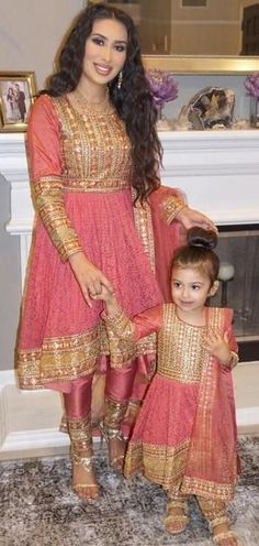 Mom and kid dress costumes buy order on WhatsApp +919214873512. 15days door delivery prices 4500/Rs included all charge, all payment options available +919214873512, Designer Anarkali Dresses, Pakistani Dresses, Lace Anarkali, Anarkali Suits, Lehenga Choli, Latest Fashion Dresses, Trendy Collection, Mom Daughter, Costume Dress