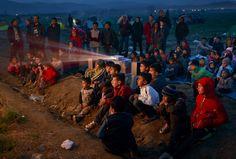 Τα παιδιά στην Ειδομένη είδαν κινούμενα σχέδια καθισμένα στο χώμα - Εσείς δείτε τα μάτια τους