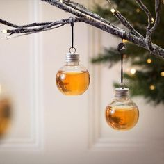 The whiskey, gin, and vodka filled Christmas tree ornament. Booze-Filled Ornaments are Exactly What Your Christmas Tree Needs Christmas 2019, Family Christmas, Christmas Parties, Green Christmas, Merry Christmas, Christmas Tree Ornaments, Christmas Crafts, Christmas Spheres, Christmas Vases