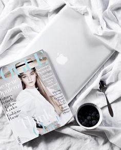 Instagram: little.emma (www.little-emma.de) Sundays x #voguemagazine #stayinbed #flatlay