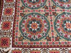 Καρέ_21 Cross Stitch Tree, Cross Stitch Embroidery, Cross Stitch Designs, Cross Stitch Patterns, Palestinian Embroidery, Needlepoint, Needlework, Bohemian Rug, Diy And Crafts