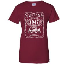Born in 1947 Tshirt 70th Birthday 70 Years Gift