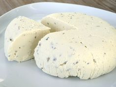 This tofu-based cream cheese is a new favorite. Quick Recipes, Low Carb Recipes, Blue Cheese, Cashew Cheese, Vegan Vegetarian, Vegetarian Recipes, Vegan Milk, Paleo, Yogurt
