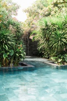 Tropical home design with mini pool (61)