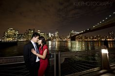 New York Engagement Session, NY skyline, city lights - www.klkphotographyblog.com