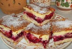 Krémes-szilvás pite Hungarian Desserts, Hungarian Recipes, Cookie Recipes, Dessert Recipes, Delicious Desserts, Yummy Food, Czech Recipes, Baking And Pastry, Summer Desserts