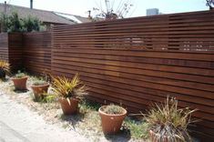 10 Reliable Cool Tips: Front Yard Fences For Dogs Wooden Fence Posts.Fence Privacy Screen Front Yard Fences For Dogs.Wood Fence Using Existing Metal Posts. Modern Wood Fence, Wood Fence Design, Modern Front Yard, Modern Fence Design, Front Yard Fence, Fence Gate, Fence Panels, Dog Fence, Wooden Fences