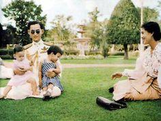 """"""" ธ สถิตในดวงใจไทยนิรันดร์ """" King Rama 9, Queen Sirikit, Bhumibol Adulyadej, Great King, My King, Thailand, Couple Photos, Celebrities, People"""