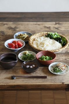 """mojamoja: with-casa: with casa vol.2では、料理家・高山なおみさんに「そうめんのお昼ごはん」をつくっていただきました。新感覚新食感のそうめんは、おもてなしにもぴったりです。 Photo:koyama sachihiko """