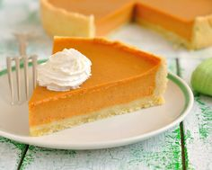 Easy Pumpkin Pie - Makes 8 Servings Ingredients 3/4 cup SPLENDA® No Calorie Sweetener, Granulated 2 tablespoons light molasses 1/4 teaspoon salt 2 teaspoons ground cinnamon 4 egg whites 1 (15 ounce) can pumpkin puree 1 1/4 cups nonfat evaporated milk 1 (9 inch) unbaked pie crust 2 cups fat-free frozen whipped topping, thawed