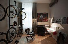 Možná sen každého nadšeného cyklisty... Squats, Furniture, Home Decor, Pictures, Decoration Home, Room Decor, Squat, Home Furnishings, Home Interior Design