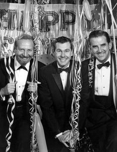 Tonight Show cast New Year's Eve 1962 - The Tonight Show Starring Johnny Carson - Bandleader Skitch Henderson, Johnny Carson and Ed McMahon | Wikipedia, the free encyclopedia