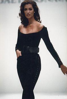 Gaetano Navarra - fashion show - 90s yasmeen ghauri