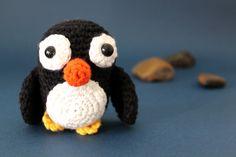 Amigurumi Pingüino - Patrón Gratis en Español aquí: http://www.susigurumi.com/2014/05/patron-gratis-pinguino-amigurumi.html