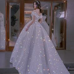 Princess Wedding Dresses, Wedding Gowns, Pretty Outfits, Cute Outfits, Sparkly Gown, Floral Prom Dresses, Fairytale Dress, Quinceanera Dresses, Outfits