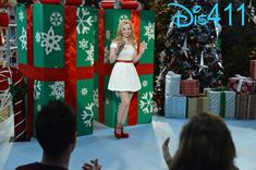 "Dove Cameron Singing ""Let It Snow"" On ""Liv And Maddie"""
