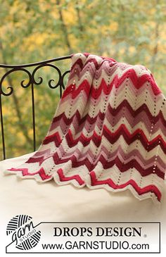 "Ravelry: b16-24 Crochet blanket with zigzag pattern in ""Alpaca"" pattern by DROPS design"