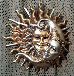 Sol y Luna, Abrazo, Papel Maché, pan de plata y oro, dibujos en relievo de ArtesMenores en Etsy