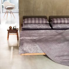 """Purple"" Bed linen by Leitner Leinen · www.labella-amara.com"