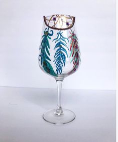 Best Wine Clubs, Large Wine Glass, Letter Mugs, Engraving Art, Organic Wine, Hand Painted Wine Glasses, Wine Gifts, Glass Art, Unique Jewelry