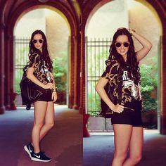 Spitfire Sunnies, H&M Shirt, Bershka Shorts, Nasty Gal Backpack, Nike Shoes