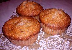 Sütöttél már banánnal muffint? Nem? Ideje kipróbálni! Meg fogsz lepődni, micsoda csodás, szaftos tészta lesz a végeredmény. És még másnap is puha marad. Már ha marad... Breakfast, Food, Hoods, Meals