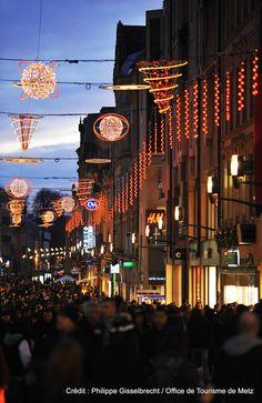 Illuminations de Metz. Découvrez les en venant nous rendre visite :-) !
