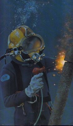 """Underwater Welding is a COOL job. But there are many other skills you would need to learn to go along with arc welding skills. There's a lot to do before you start """"running beads""""! Welding Art, Arc Welding, Cool Stuff, Underwater Welding, Welding Schools, Deep Sea Diver, Marine Engineering, Diving Helmet, Underwater Pictures"""