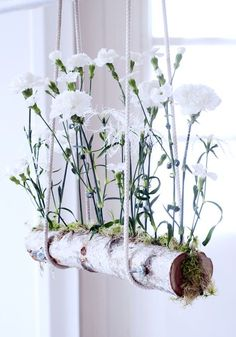 Schwebende Nelken in weiß.  #tollwasblumenmachen #nelke #carnation  #dianthus #wohnen #living #inspiration #frühling #weiss #white #spring