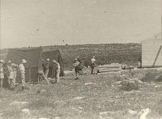 הקמת צריף ואוהלים ביום י עליה על הקרקע 1948